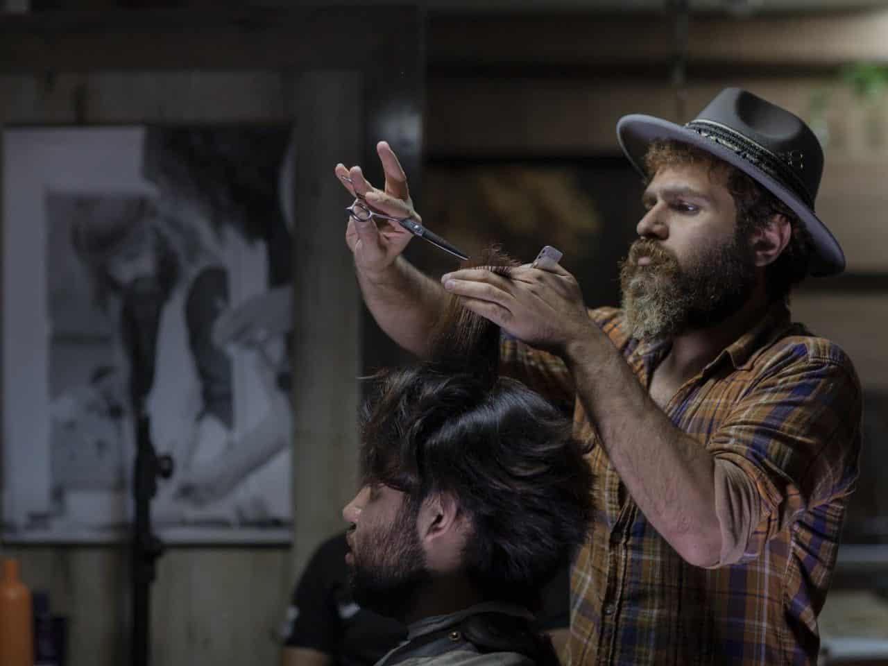 https://pr-helden.de/wp-content/uploads/2020/12/barber-shop-5212059_1920-1280x960.jpg